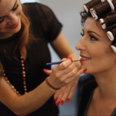 Hochzeit-, Galafrisuren, Hochsteckfrisuren und Make-Up